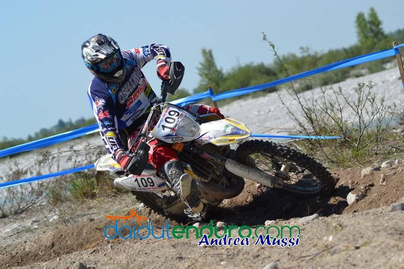 Riccardo Chiappa del Motoclub Ponte dell'Olio su Husqvarna 125 2T - 3° assoluto