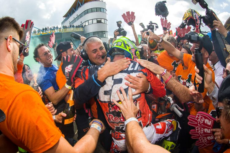 Tony Cairoli nove volte Campione del Mondo MXGP
