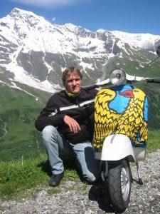La Vespa Primavera: Grossglockner, capello schiacciato e la bandiera che al Vespa World Days mi ha rovinato :D